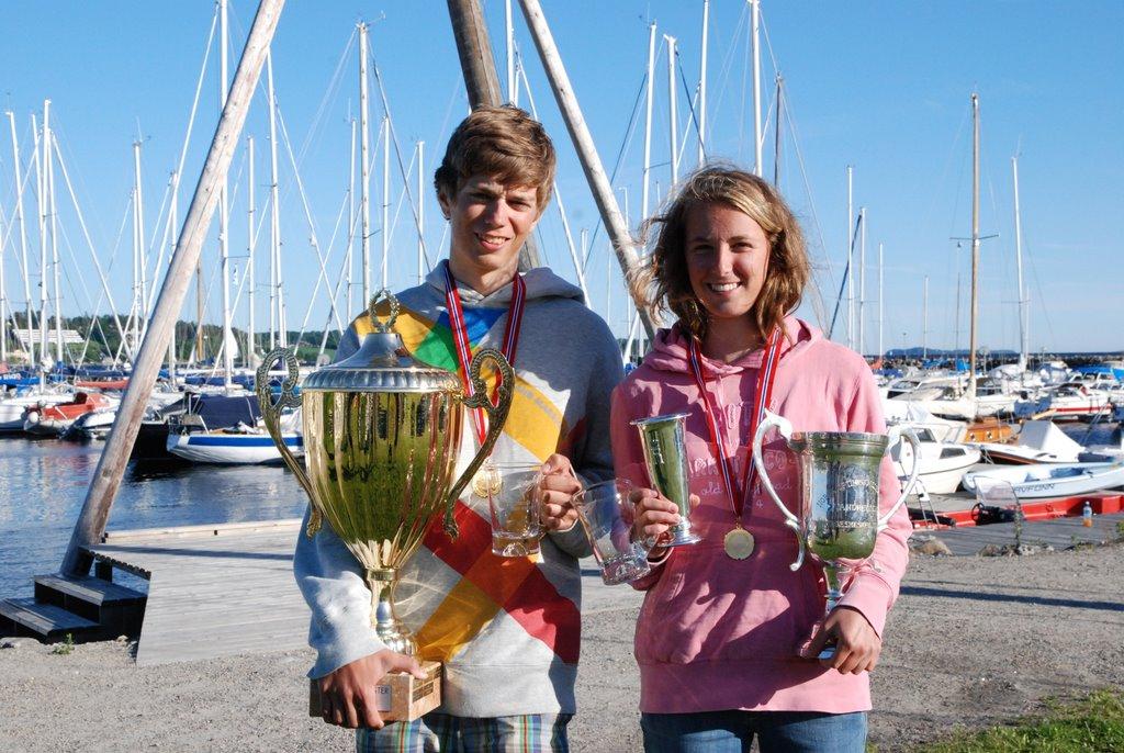 Norgesmestre 2011 Zoom8 og Optimist jente